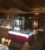 Laslo's Restaurant & Cafe