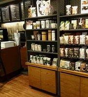 Starbucks, Atre Omori