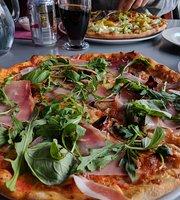 Restaurang & Pizzeria Sarolla