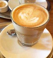 SmetanaQ Cafe & Bistro