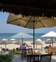 Lucky Beach Restaurant