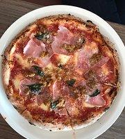 Famoso Pizzeria + Bar