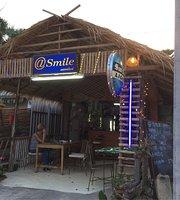 Smile Bar & Cafe
