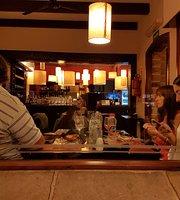 Las Moras Resto Lounge