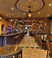Flynn's Bar & Diner