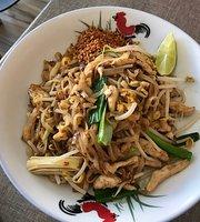 Wok & Ladle: Thai Eatery
