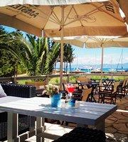 Beach Bar and Restaurant Voutoumi