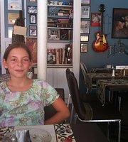 TLC Bistro & Cafe