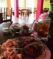 Las Macetas Restaurante y Taqueria