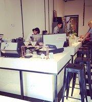 Gau Coffee & Bakery