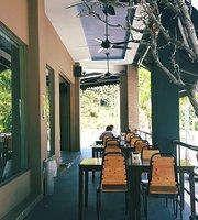 Uptown Cafe Shop