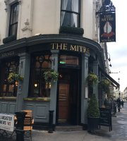 ‪The Mitre in Lancaster Gate‬