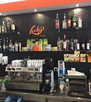 Lucky cafe-bar