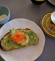 Roost Cafe - Bistro