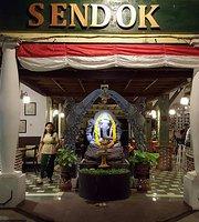 Sendok Restaurant & Bar