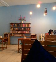 Mini Cafe & Books