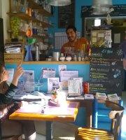 A L'Affut, Cafe Social Interactif