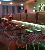 Bar and diner Lux