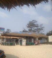 Cornelio beach shack CAMOBAR