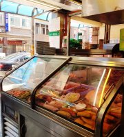 Hei Bai Mao Food Diner