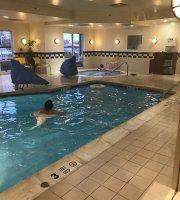 Fairfield Inn & Suites by Marriott Newark Liberty International Airport