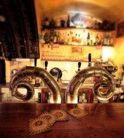 Singer Pub