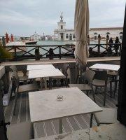 L'Ombra del Leone Cafe
