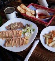 La Tetera Bistro Cafe