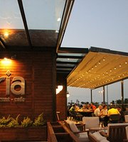 Tria Restaurant & Cafe