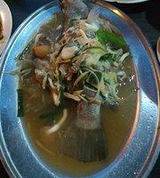 Pormtip Thai BBQ Seafood Restaurant