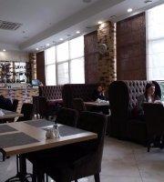 Parmezan Cafe