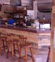 Kini Kini Poolbar Aruba