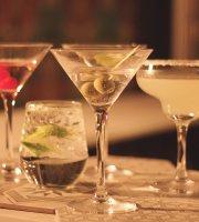 La Belle Vintage Bar