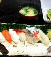 Sushi Restaurant & Kaiseki Cuisine Yamamoto