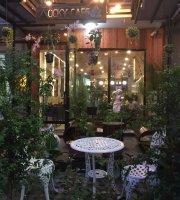 Rocky Cafe & Lounge