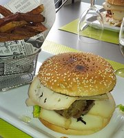 Cafe Restaurant Le Carillon