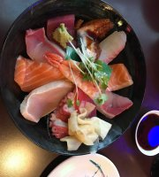 Roll Roll Roll Sushi