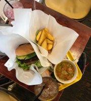 Freshness Burger Shinjuku Gyoen