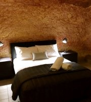 The Lookout Cave Underground Motel