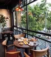 Fu Rong Hua Cantonese Restaurant