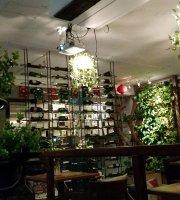 No.8 Cafe