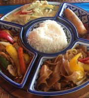Thum's Kitchen Thai Cuisine