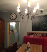 Cafe Heinrich