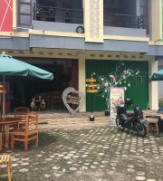 Angkringan the house cafe durian