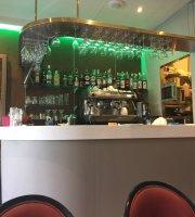 Le Palace Cafe