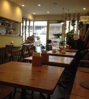 Hiizuru Cafe