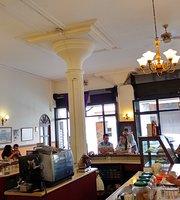 Café León 8va