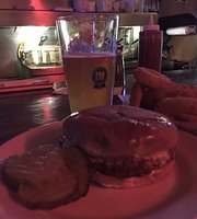 ‪Plaza Tavern and Grill‬