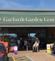 ‪Garforth Garden Centre‬
