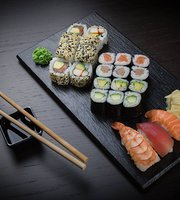 HQ Wok & Sushi